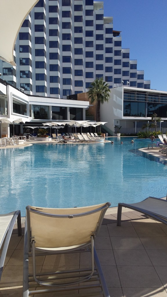 Poolside Bar & Grill – Crown Metropol Perth